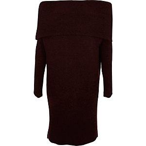 Donkerpaarse trui-jurk in bardotstijl met overslag