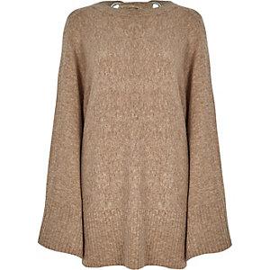 Hellbrauner Pullover mit weiten Ärmeln