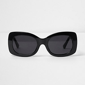Black square smoke lense glam sunglasses