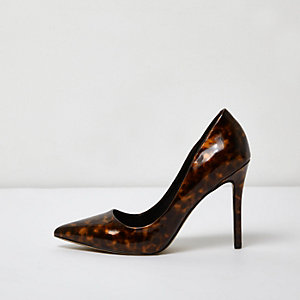 Brown tortoiseshell pumps