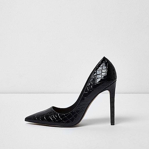 Black croc embossed patent pumps