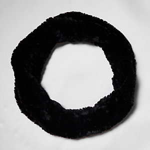 Black knitted faux fur snood