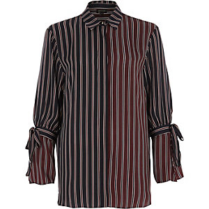 Navy stripe tie sleeve shirt