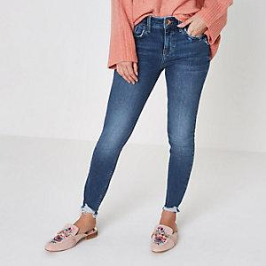 Petite – Amelie – Blaue Super Skinny Jeans mit zerschlissenem Saum