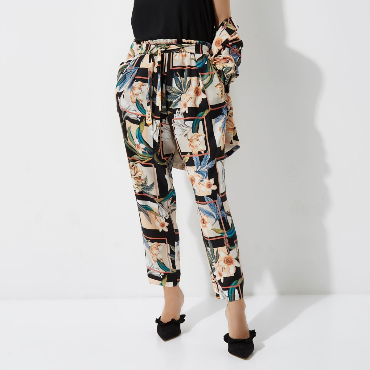 Petite green floral print tapered trousers