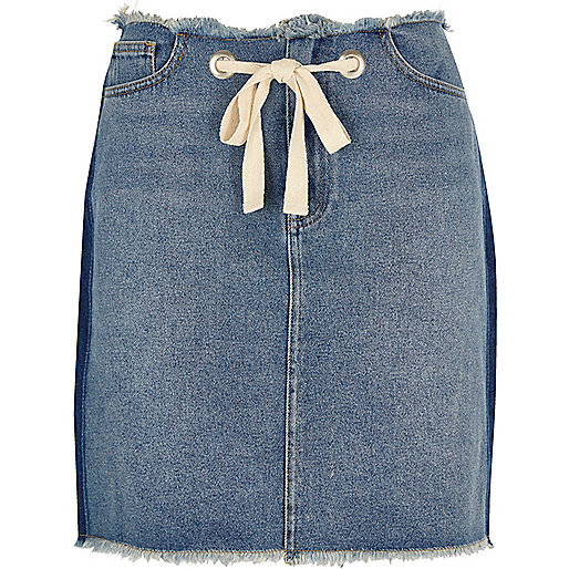 Blue frayed hems drawstring denim mini skirt