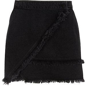 Mini-jupe en jean noire à ourlet effiloché
