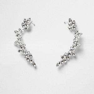 Bijoux d'oreilles argentés motif feuille ornés