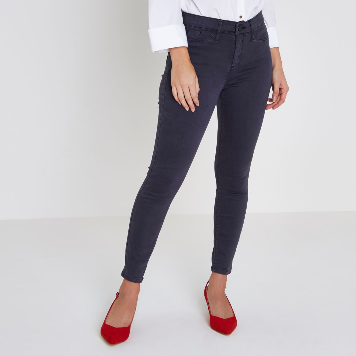 Petite grey wash skinny Molly jeggings