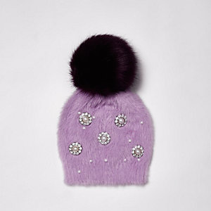 Purple brooch faux fur bobble beanie hat