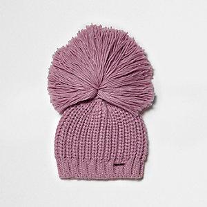Bonnet rose clair à gros pompon