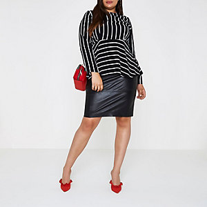 Plus black stripe waisted long sleeve top