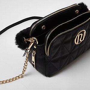 Zwarte doorgestikte handtas met ketting en riem van imitatiebont