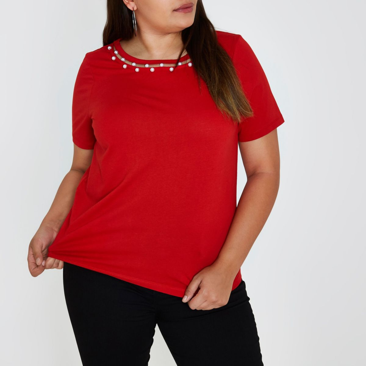Plus red pearl necklace T-shirt