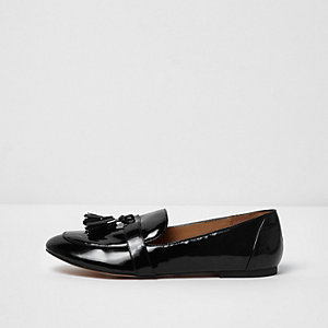Black patent tassel loafers