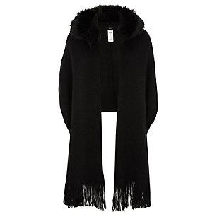 Écharpe noire à bordure en fausse fourrure et capuche