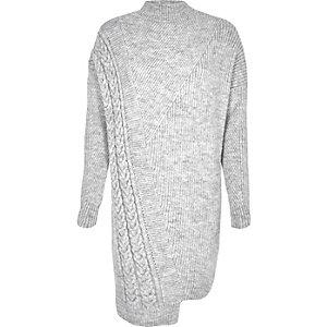 Robe pull grise asymétrique en maille torsadée