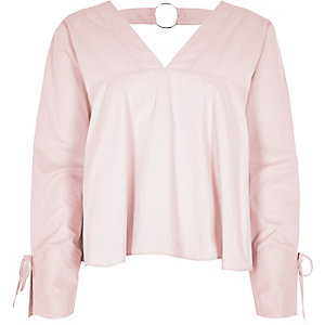 Light pink V neck ring back long sleeve top