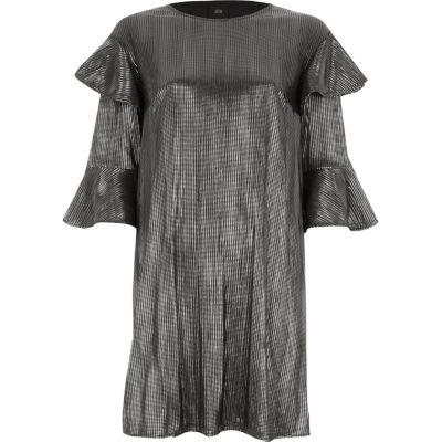 River Island Zilverkleurige T-shirtjurk met folie-effect en ruches