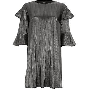 Zilverkleurige T-shirtjurk met folie-effect en ruches