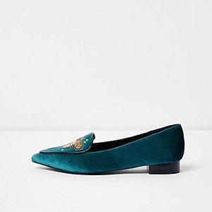 Marineblaue, spitze Schuhe