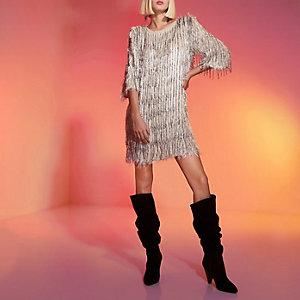 RI Studio - Lichtgrijze verfraaide jurk