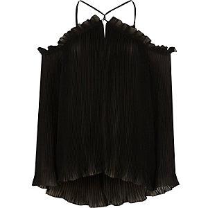Chemisier noir plissé à épaules dénudées