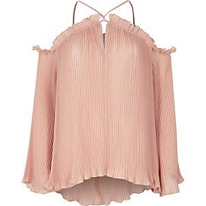 Chemisier rose clair plissé à épaules dénudées