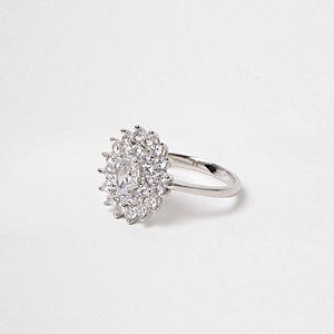 Zilverkleurige ring met cubic zirconiabloem