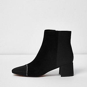 Schwarze Stiefel aus Wildlederimitat, weite Passform