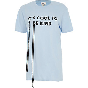 Blue T-shirt met 'it's cool to be kind'-print