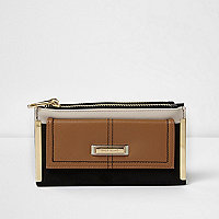 Black and tan slim foldout purse
