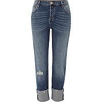 Dunkelblaue, umgeschlagene Boyfriend-Jeans
