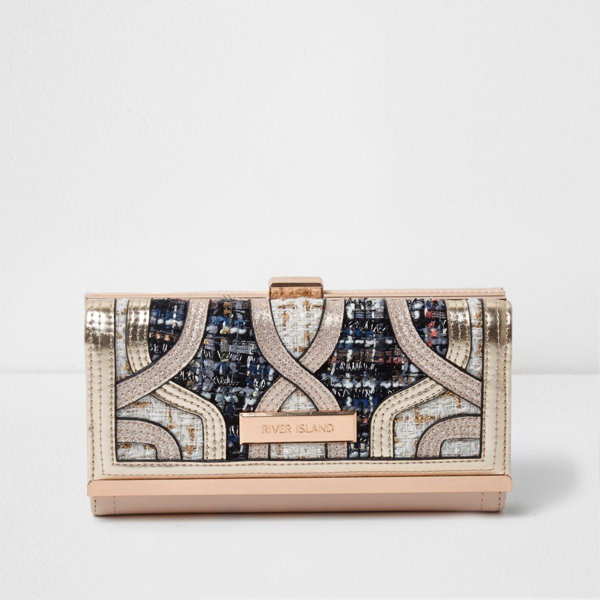 Cream cutabout boucle clip top purse