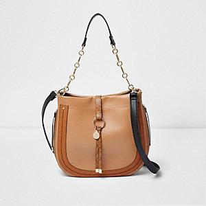 Bruine ruime tas met ring voor en ketting