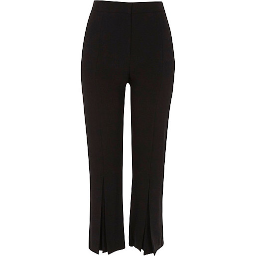 Black pleated hem straight cropped trousers