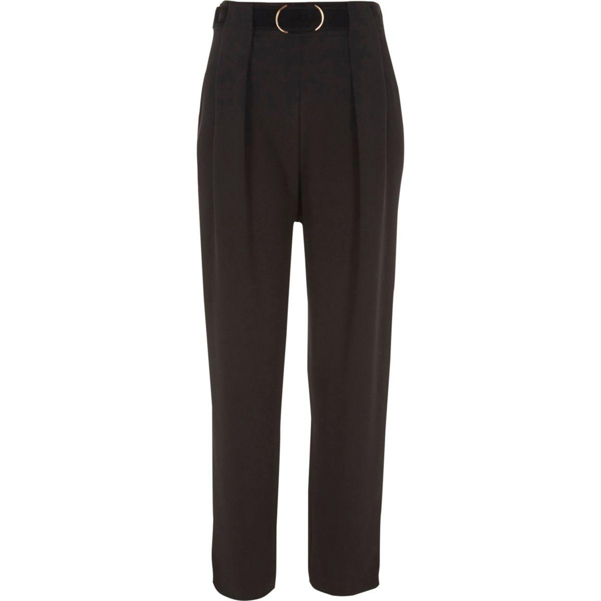 Pantalon noir fuselé à ceinture