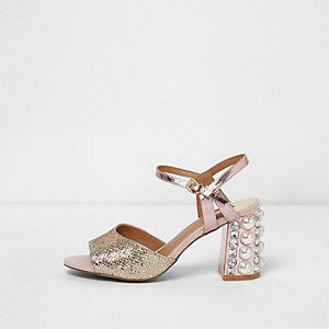 Roségouden sandalen met blokhak versierd met siersteentjes