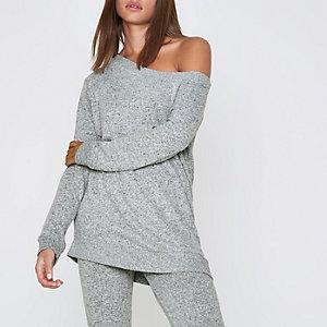 Grijze lange off-the-shoulder pullover