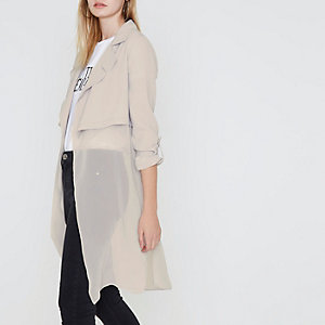 Manteau long gris clair à superposition transparente