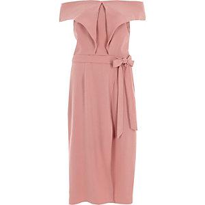 Nude midi-jurk met bardothalslijn en strikceintuur