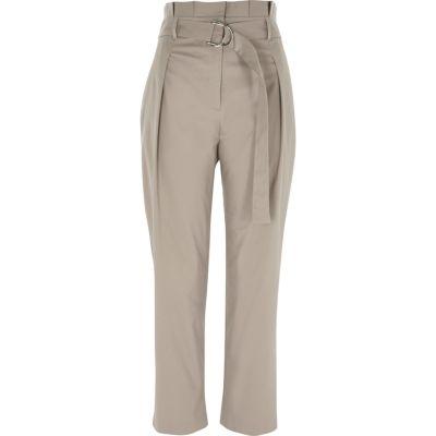 Grijze smaltoelopende broek met D-gesp en hoge taille
