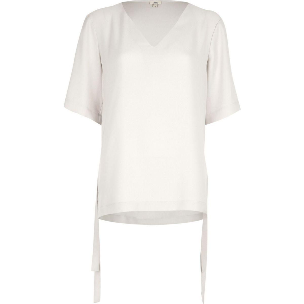 Light grey short sleeve tie side T-shirt