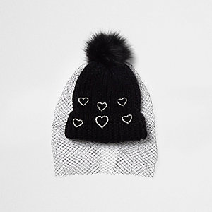 Black heart embellished net veil bobble hat
