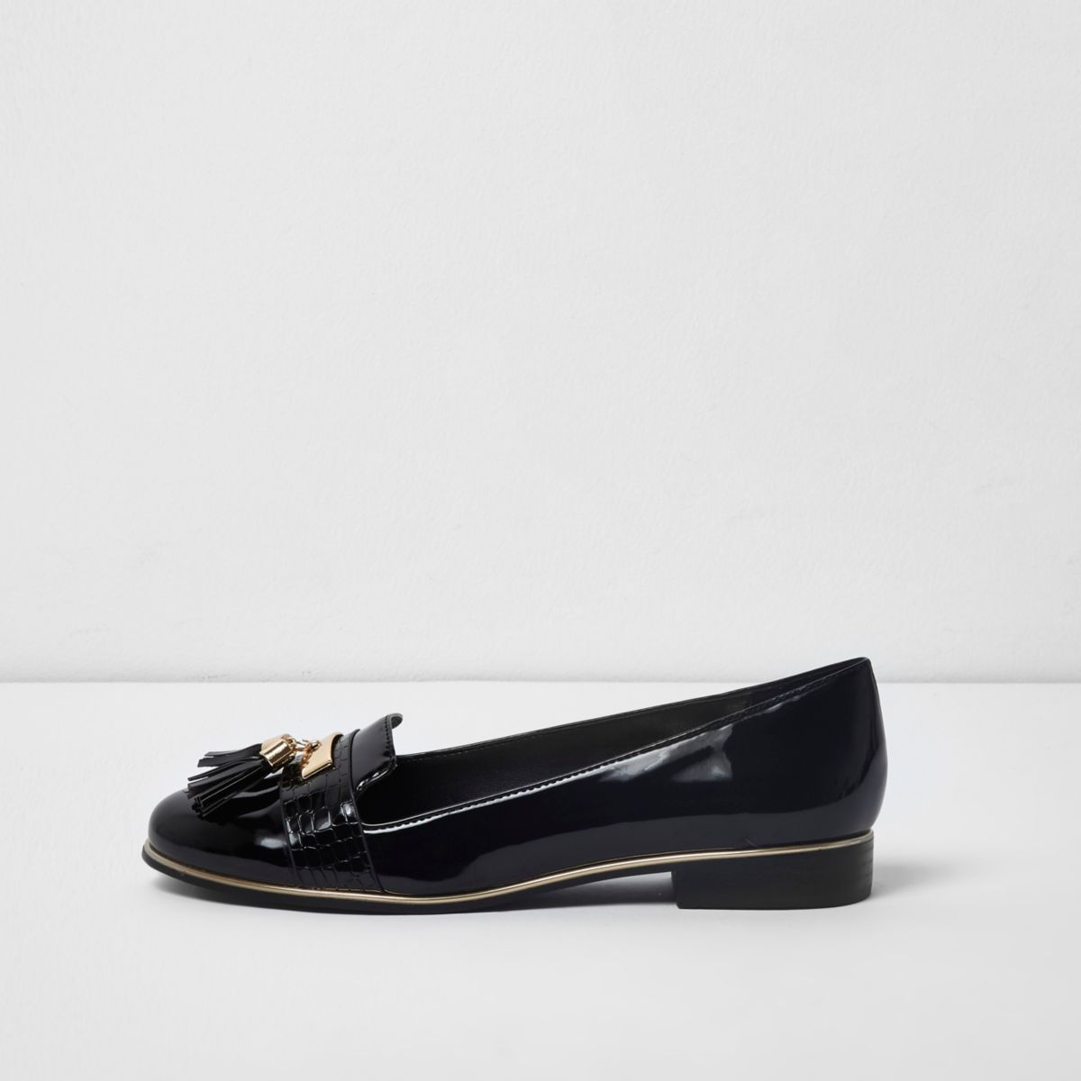 Black tassel patent loafers