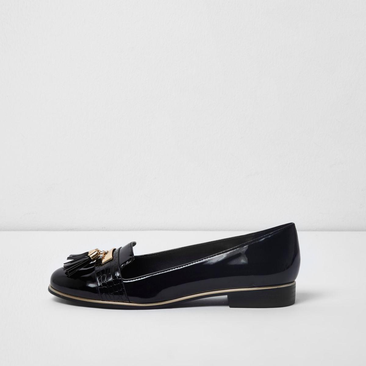 Black tassel patent loafers