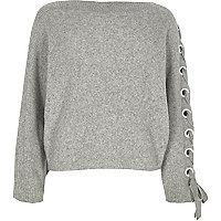 Pullover mit Ösen und Schnürung am Ärmel