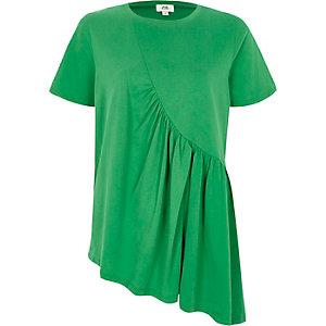 Grünes, asymmetrisches T-Shirt mit Rüschen