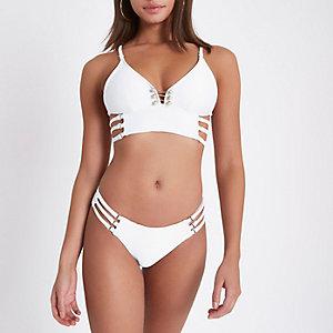 Weiße Bikinihose mit Riemchen