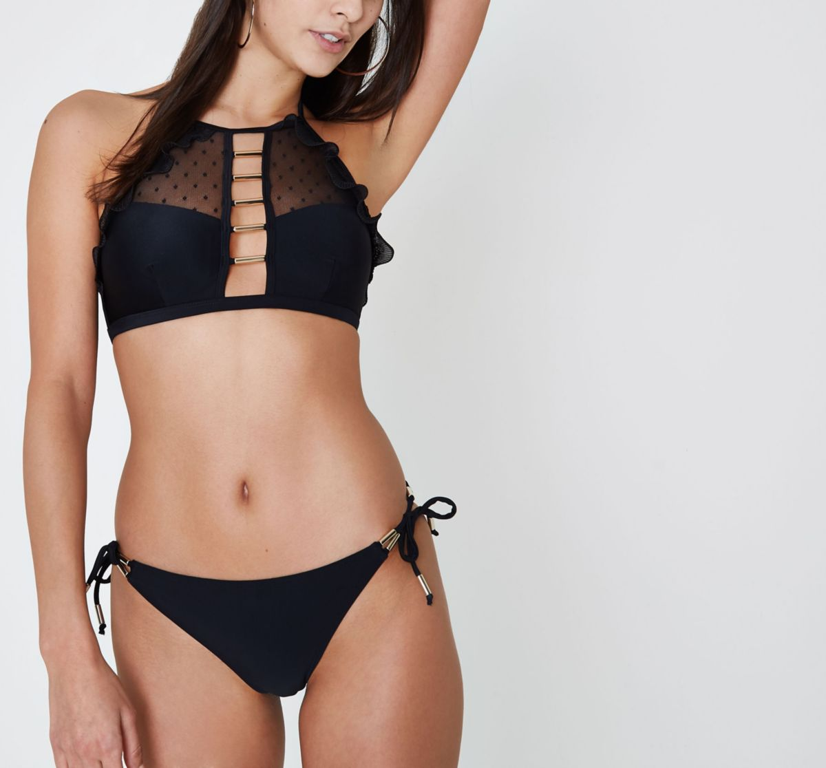 Zwart bikinibroekje met zijstrikjes